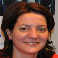 Medic stomatolog Ioana Anita